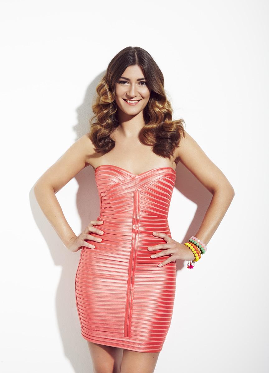 Sandra Thier lachsfarbenes Kleid