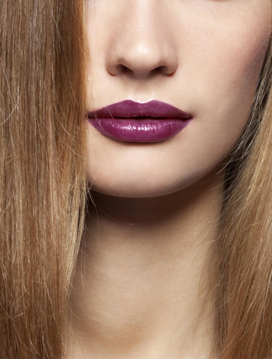Nahaufnahme Gesicht lila lippenstift