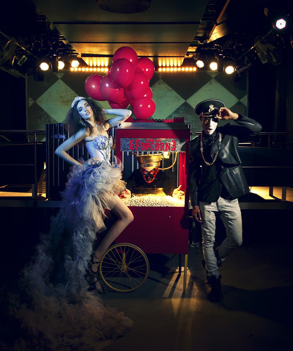 Technoball Werbeshoot Models vor Popcornwagen